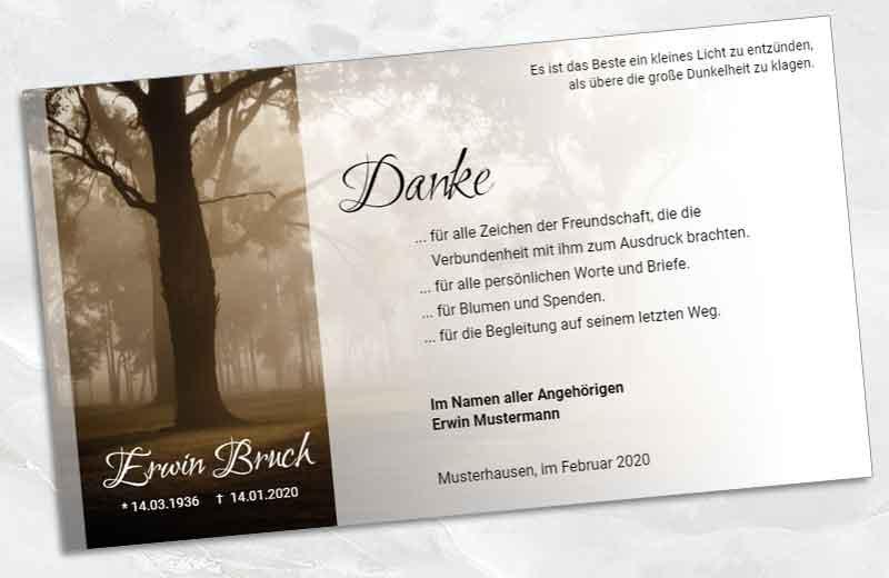 Trauer Danksagungskarte Baum im Nebel